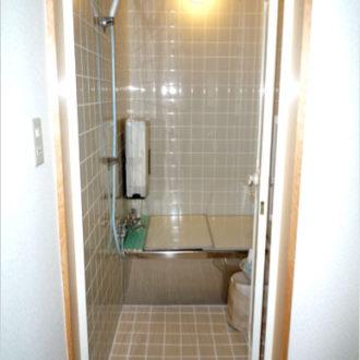きれいなタイルの浴室工事